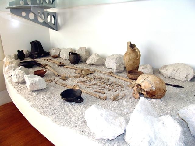 Tomba ricostruzione V sec. a.C.