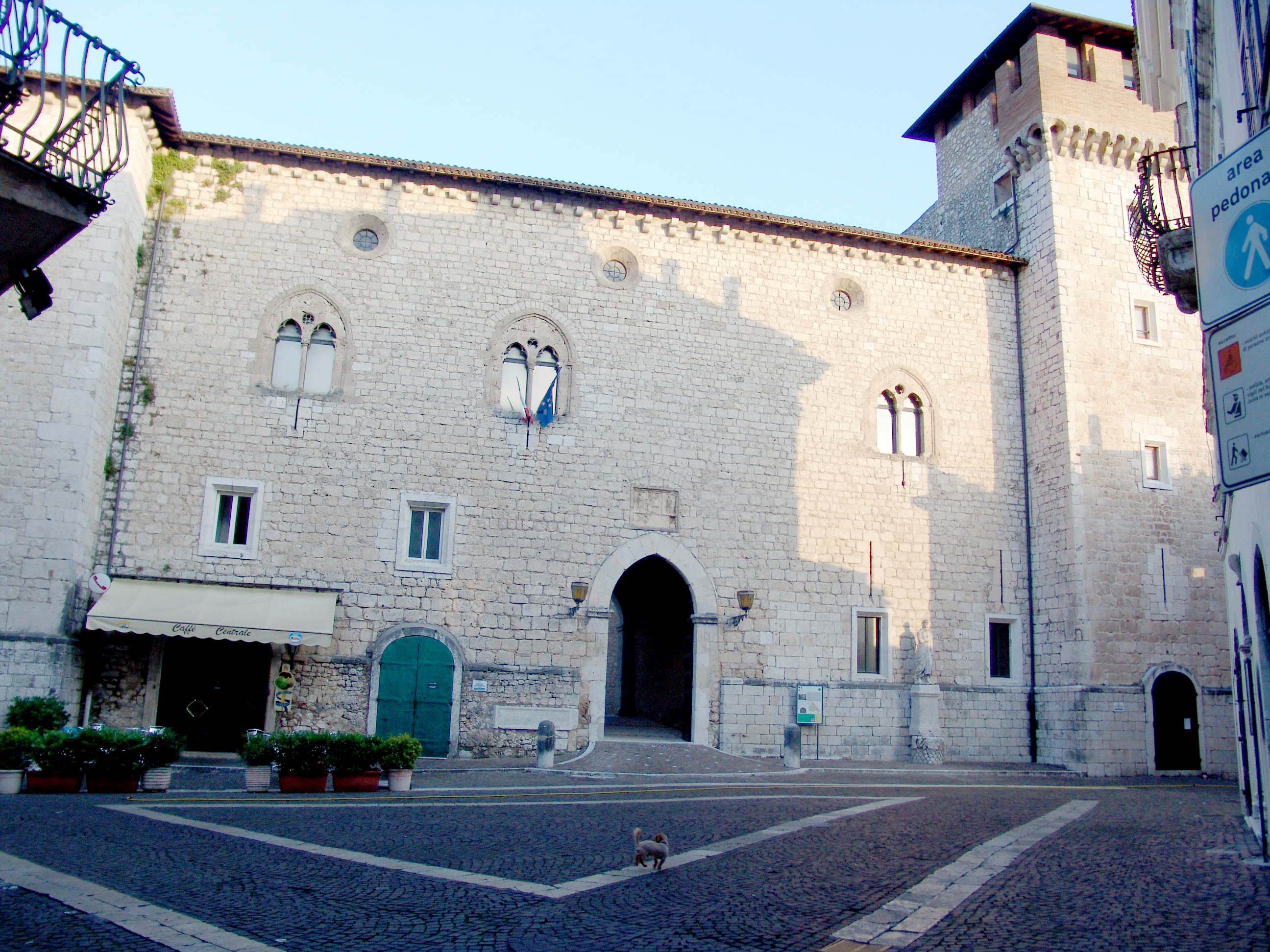 Palazzo Cantelmi Piazza Saturno